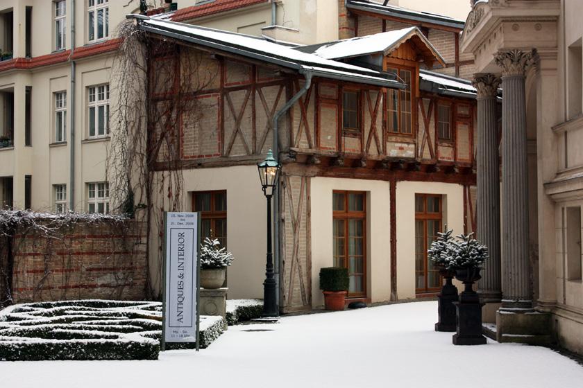 HOFCAFÈ Antiques & Interior